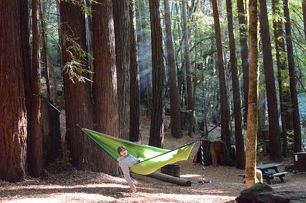 Budget lightweight backpacking hammock for hanging out