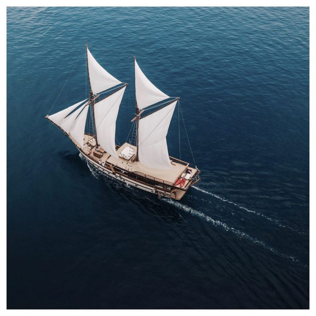 Luxury Liveaboard on Komodo Boat Charter